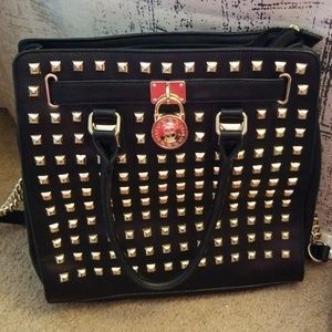 Clearing our Sale 💙Awesome Studded Purse